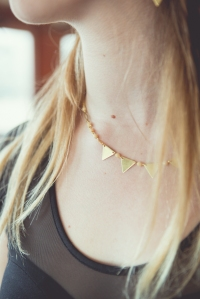 collier fanions