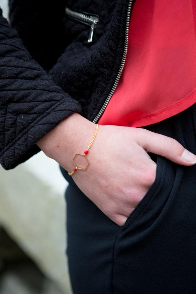bracelet hexagone rouge (1 sur 7)